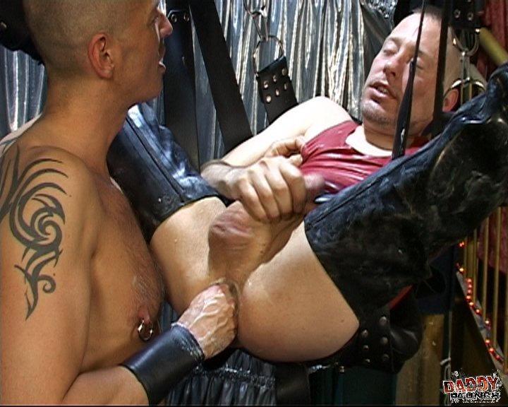 Gay Piss & Watersport Sites - GayDemon