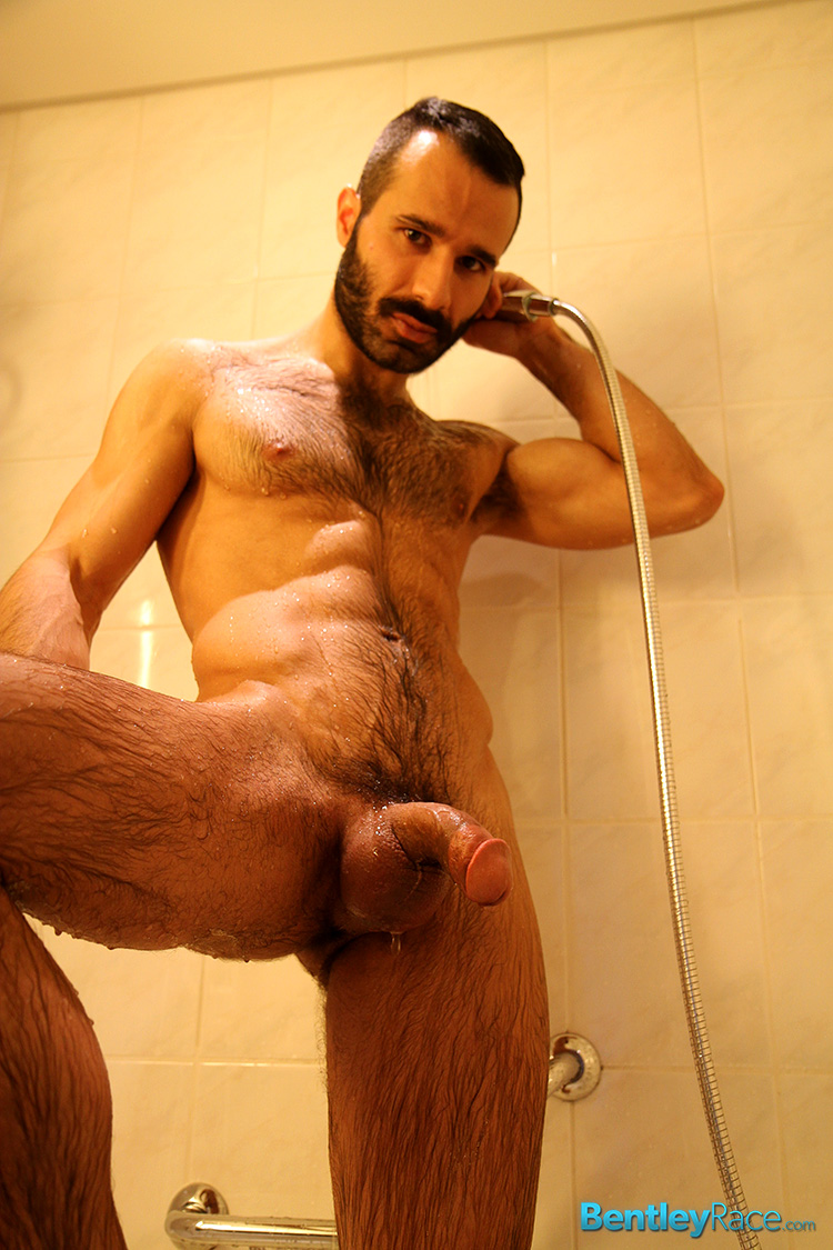 nude men in shower penis pic