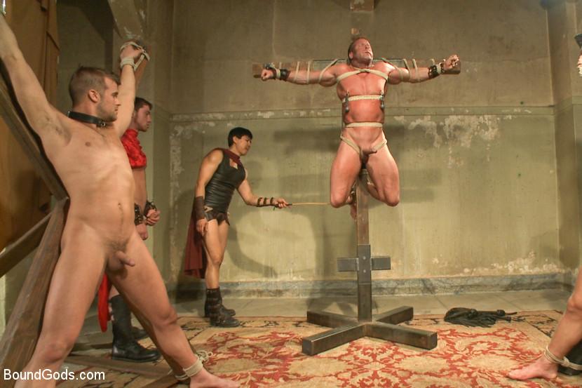 porno-roliki-v-rimskih-banyah
