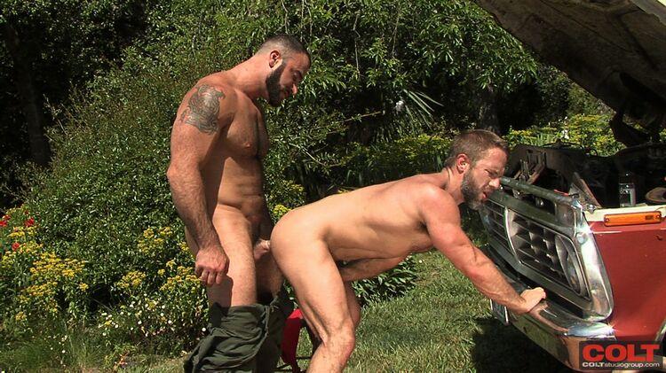 Bearded hunk ramming his hard rod into ass 2