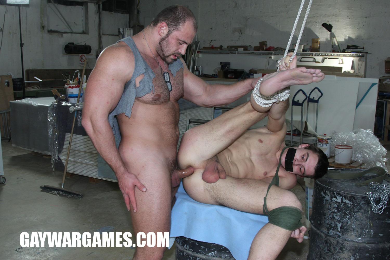 prinuditelniy-seks-gei