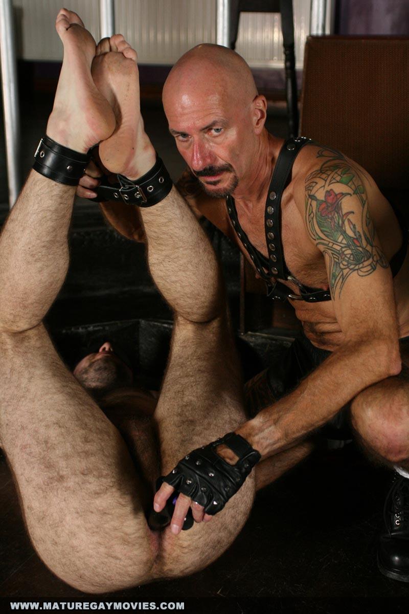 Slave master Ashton gets hard on Eli Manuels sexy ass