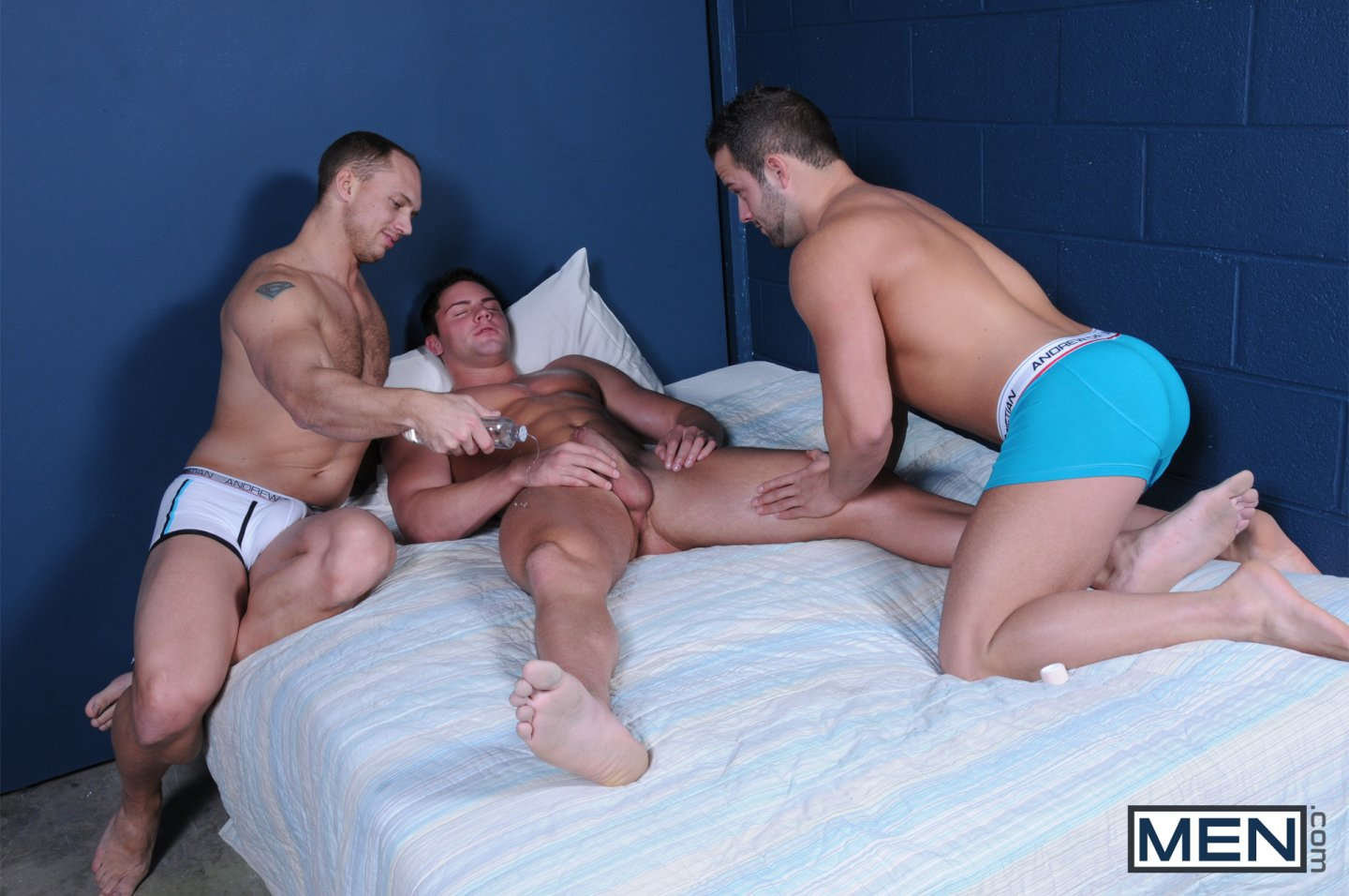 Gay orgy moaning and screaming as his butt 10