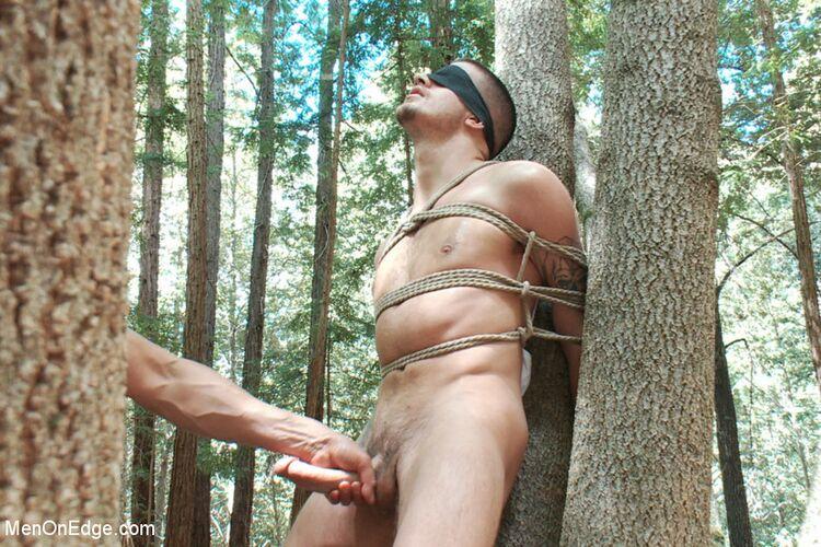 帥哥被綁著調教,不斷在射與不射之間徘徊,最後才被強制射精! (Men on Edge – Ty Roderick)