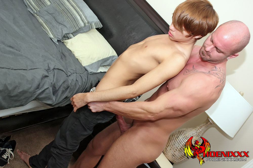 Gay fuck kyler moss is all horned up after 7