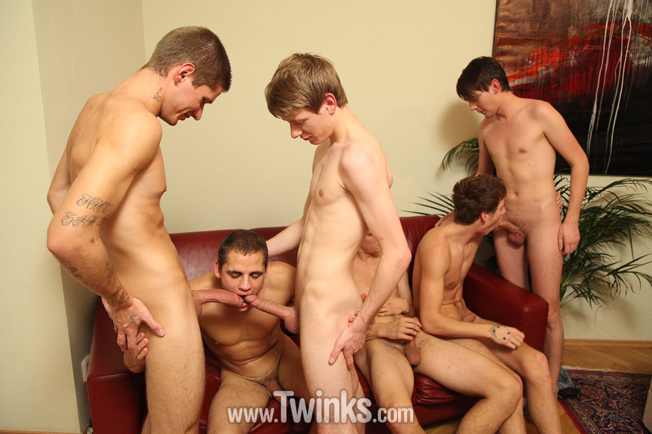 Extremely hot gay sex orgy
